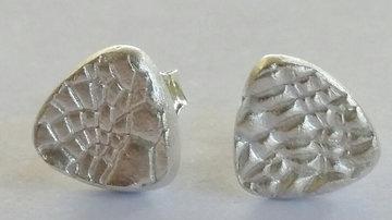 Oorsteker driehoek fijn zilver